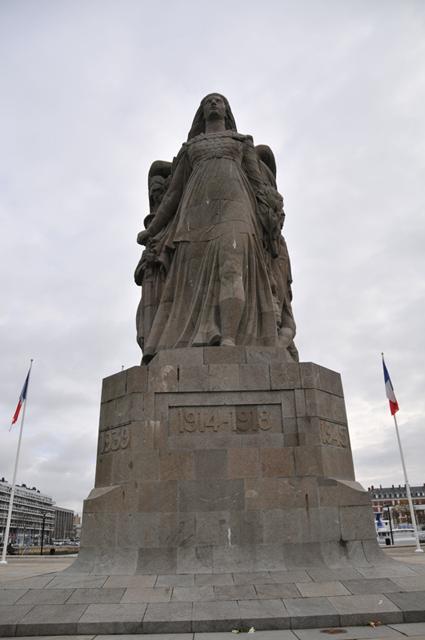 """Etape par étape... HDR du """"Monument aux Morts"""". 001"""