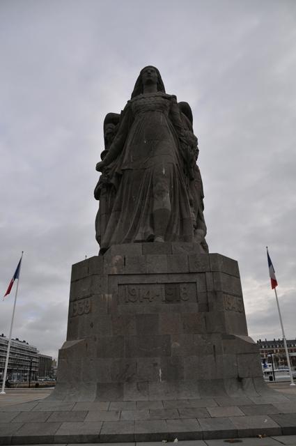 """Etape par étape... HDR du """"Monument aux Morts"""". 002"""