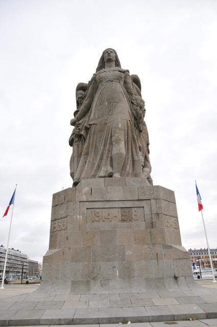 """Etape par étape... HDR du """"Monument aux Morts"""". 003"""
