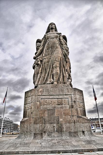 """Etape par étape... HDR du """"Monument aux Morts"""". 005"""
