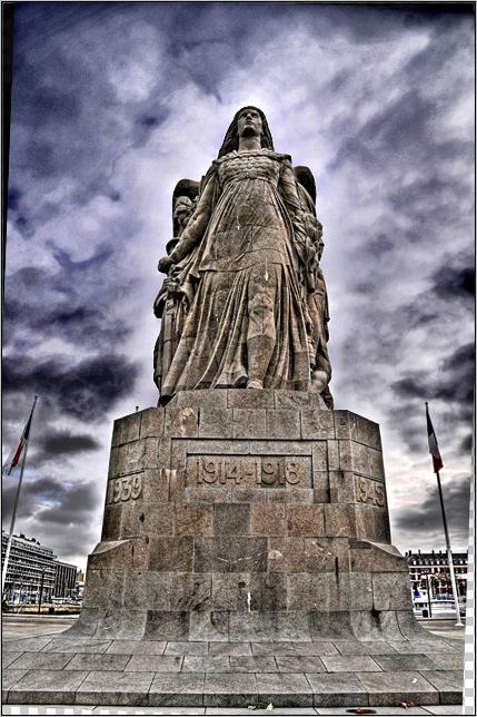 """Etape par étape... HDR du """"Monument aux Morts"""". 008"""
