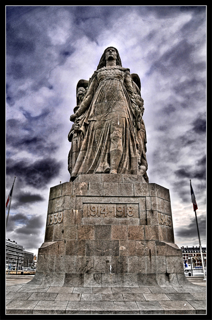 """Etape par étape... HDR du """"Monument aux Morts"""". 011"""
